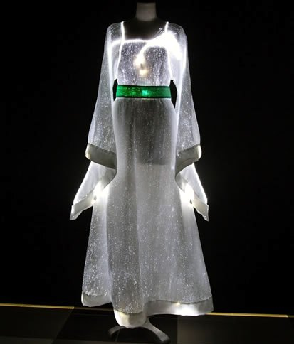 Cool Clothes Made with Fiber Optics from LumiGram