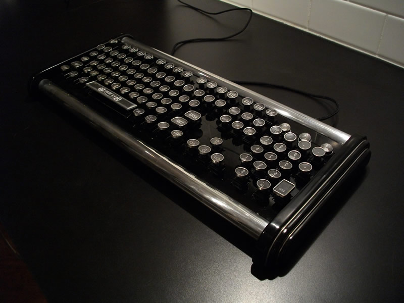 datamancer-adds-the-deco-model-to-its-custom-keyboards-line