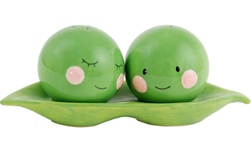 Ladies 39 gadgets two peas in a pod ceramic salt pepper shakers ladies 39 gadgets - Two peas in a pod salt and pepper shakers ...
