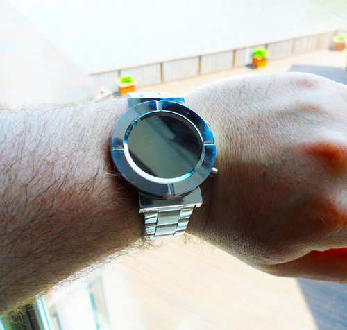 Cool Watch That Turns Into a Wrist Mirror