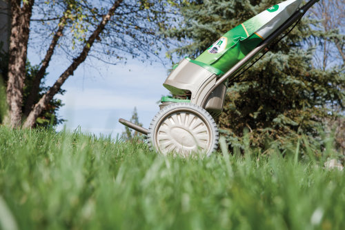 Choose Scotts Snap Spreader System for Your Lawn Makeover