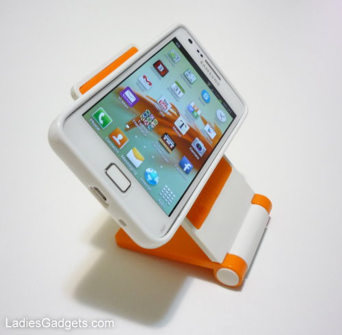 Sticky Cell Phone Stand Review (3)