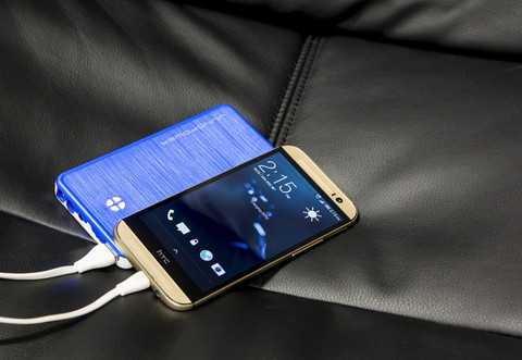 JunoPower Portable Battery for Your Gadgets and Your Car (3)